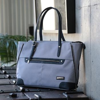 デザイン性、機能面に優れたメンズメルローズオリジナルバッグシリーズ